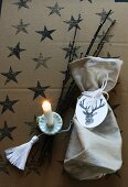 Christmas idea: Advent bag with stag-print pendant and tassel