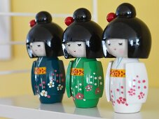 Three Japanese geisha dolls