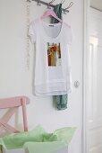DIY – a long T-shirt with a cat print