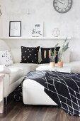 Modern living room in black and white