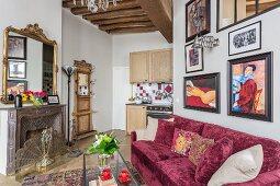 Offener Wohnbereich in restauriertem, eklektischem Appartement