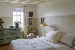 Chest of drawers in vintage-style bedroom