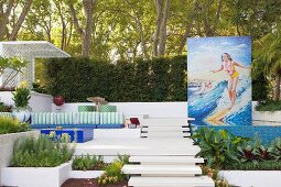 Terraced garden with pool, 50s mosaic and lounge area