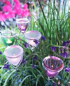 Gartenstecker mit Windlichthaltern aus Glas