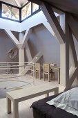 Architektenhaus mit Balkenkonstruktion und Galerie