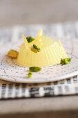 Pudding mit Zitronen und Pistazien