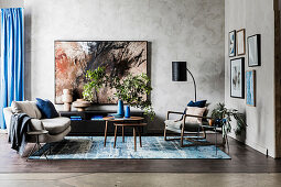 Fifties style living room with blue and earth tone accessories