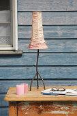 DIY-Lampenschirm aus gefärbtem Seidenstoff