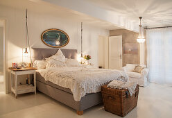 Lamps and lights in vintage, country-house-style bedroom