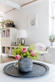 Rosenstrauß in Vase