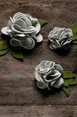 DIY flowers made of felt