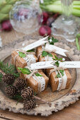 Small party favors with Christmas decorations