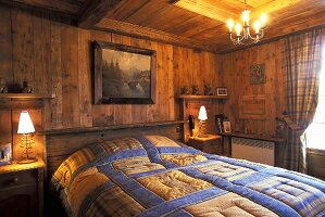 Bedroom in a mountain hut (France)