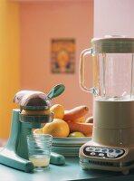 Juicer and liquidiser