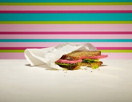 A cleaning cloth sandwich