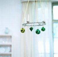 Pendant Advent wreath with baubles