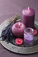 Lavendel Spa mit Badesalz und Kerzen