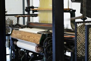 Electric loom in action