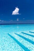 Infinity pool (Maldives)
