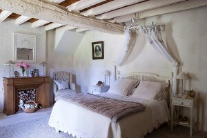 Bedroom in French vintage style