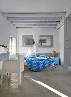 Schlafzimmer im modernen griechischen Stil