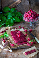 Raspberry toffee