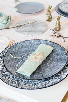 Place setting decoration for Easter
