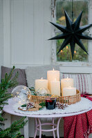 Advent arrangement in summerhouse