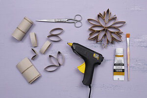 Instructions for making snowflakes from toilet roll tubes