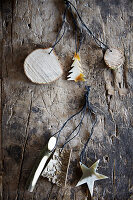 Weihnachtsbaumanhäger aus Naturmaterialien