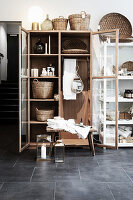 Showcase cabinet with home accessories
