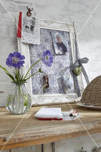 Selbstgemachte pinnwand aus bilderrahmen und stoff bild kaufen living4media - Selbstgemachte bilderrahmen ...
