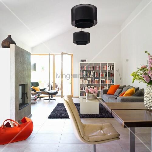 kamin am esstisch. Black Bedroom Furniture Sets. Home Design Ideas