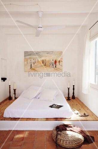 Mediterranes Schlafzimmer mediterranes schlafzimmer mit matratze auf podest und