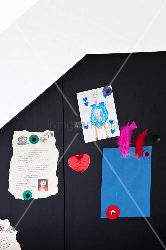 verschiedene bl tter mit magneten an bild kaufen. Black Bedroom Furniture Sets. Home Design Ideas