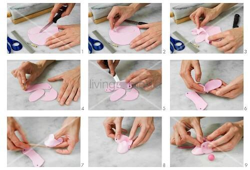 rosafarbene babyschuhe aus bastelton oder fondant herstellen bild kaufen living4media. Black Bedroom Furniture Sets. Home Design Ideas