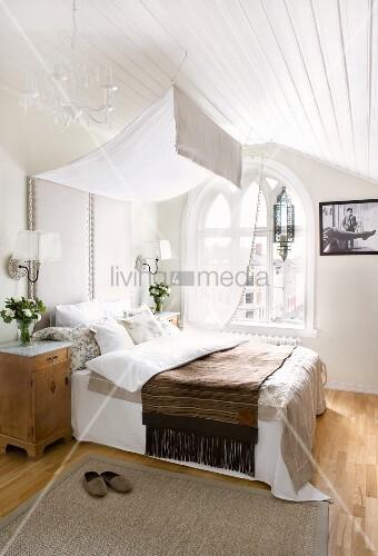 Bett Mit Gepolstertem Kopfteil Und Bild Kaufen 11156042