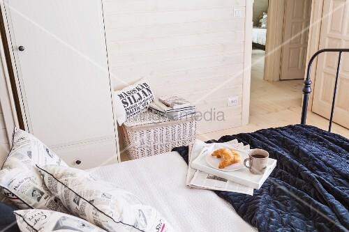 Dunkles Metall Bett Mit Bild Kaufen 11296580
