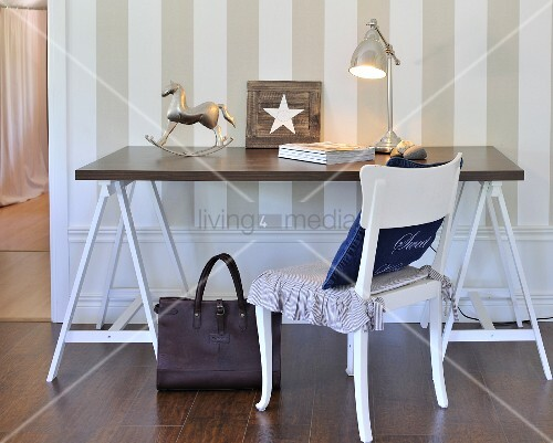 weier holzstuhl stunning holzstuhl kinder antik eiche. Black Bedroom Furniture Sets. Home Design Ideas