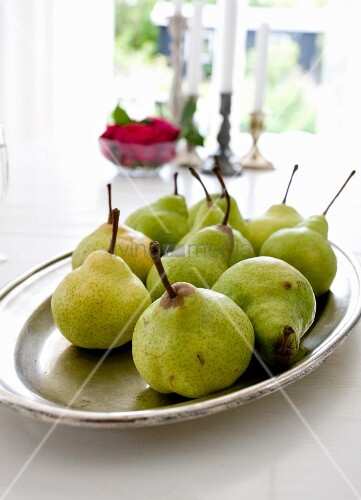 Dish of fresh pears