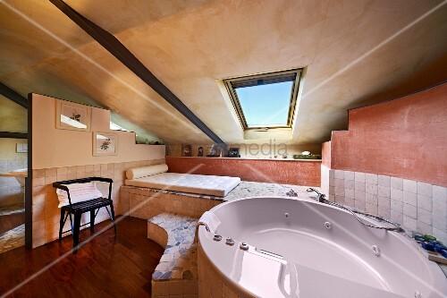 moderne ellipsenf rmige wanne mit bild kaufen. Black Bedroom Furniture Sets. Home Design Ideas