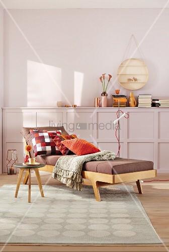 gem tliche tagesliege im fiftiesstil mit bild kaufen. Black Bedroom Furniture Sets. Home Design Ideas