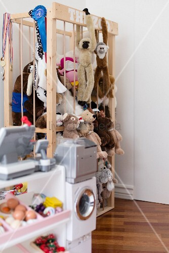 Wooden storage cage for soft toys