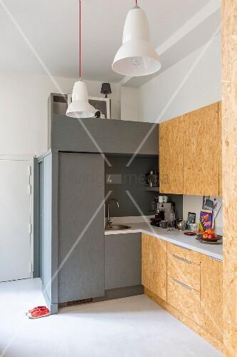 selbstgebaute k che mit fronten aus osb platten bild kaufen living4media. Black Bedroom Furniture Sets. Home Design Ideas