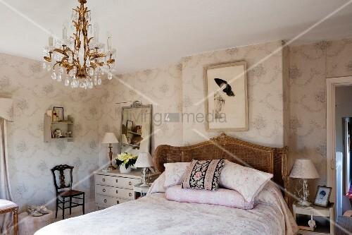 Klassisches englisches Schlafzimmer – Bild kaufen – living4media