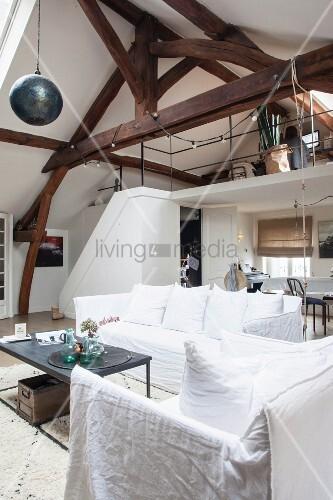 Wohnzimmer im Vintage-Style mit offener … – Bild kaufen - 11515128 ...