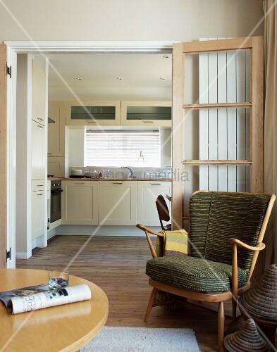 sessel im 50er jahre stil vor offener bild kaufen. Black Bedroom Furniture Sets. Home Design Ideas