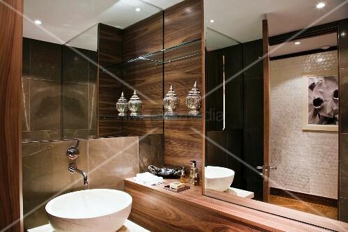 Exklusives Badezimmer mit … – Bild kaufen - 11016206 ❘ living4media