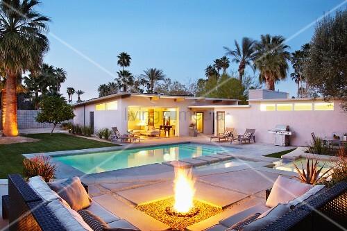 Eine Feuerstelle Am Pool Planen - Wohndesign -