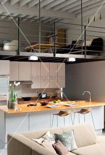 Offener Wohnraum mit Küche und ... – Bild kaufen – 11988526 ...